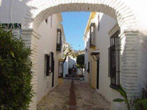 Dare to peek around corners! Did you think this is one of Malaga's famous  White Villages? Far from it! Pueblo Lopez development in Fuengirola city centre