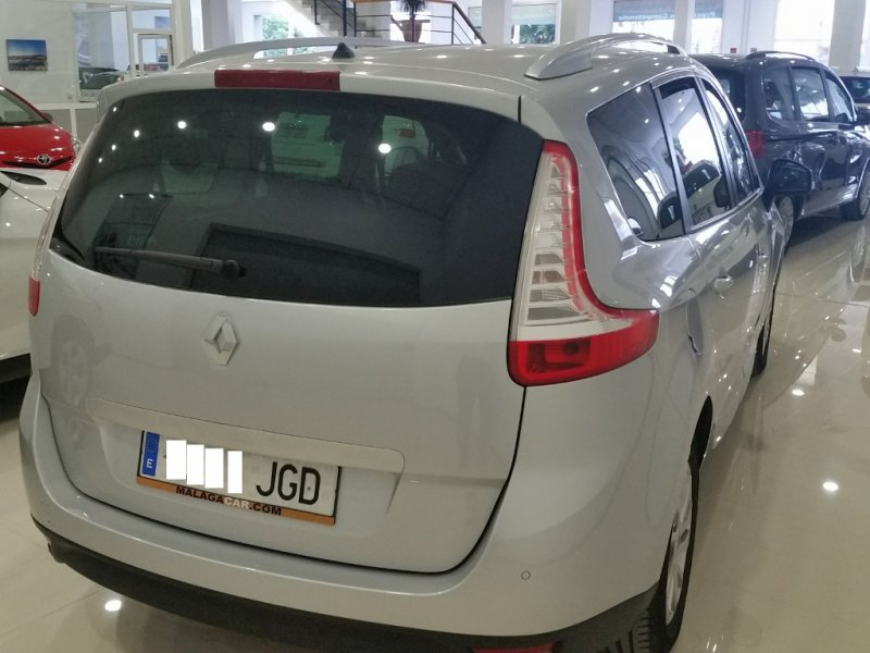 Renault Grand Scenic Limited dCi 110 EDC. SOLO 1 UNIDADES DISPONIBLES 4