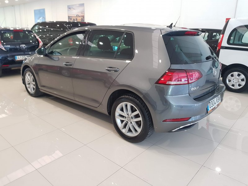 Volkswagen Golf ADVANCE DSG TSI 110  4