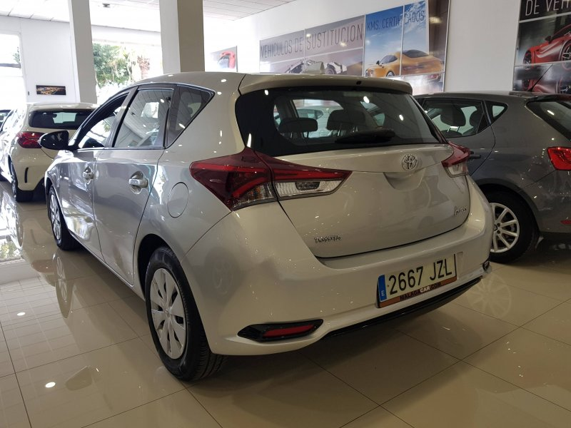 Toyota Auris 90D Business. Solo 10 UNIDADES DISPONIBLES!!! LIQUIDACION!!! 3