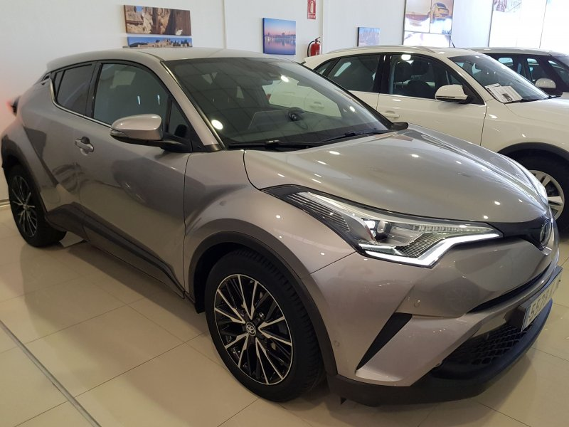 Toyota C-HR 125H ADVANCE PLUS 2