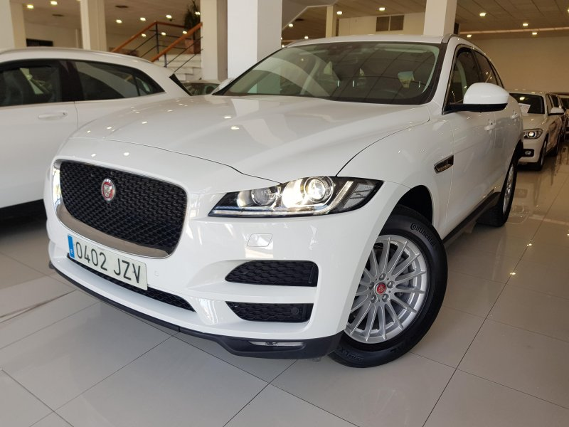 Jaguar FPace Prestige autom Reacondicionado. Solo 1 unidad disponible 2