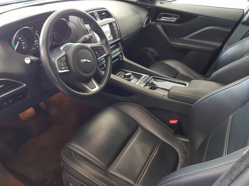 Jaguar FPace Prestige autom Reacondicionado. Solo 1 unidad disponible 10