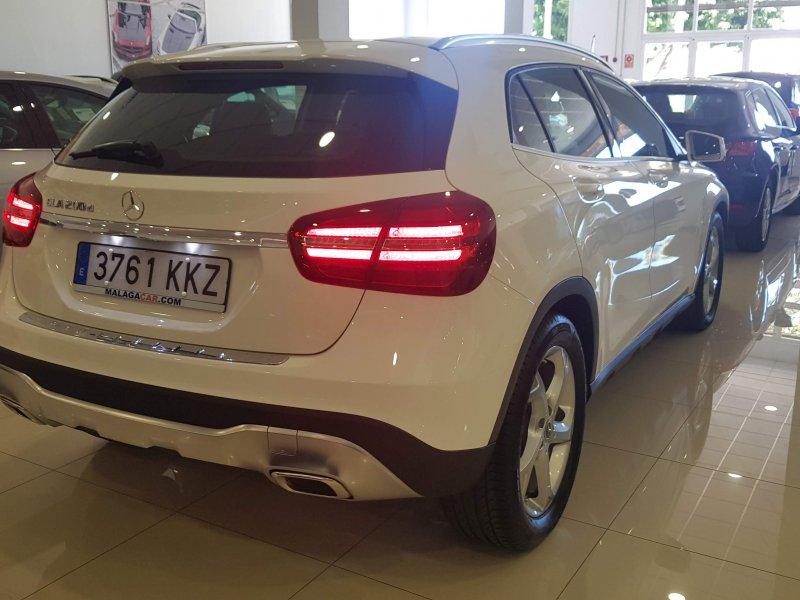 Mercedes GLA 200D 7G-DCT AUT 4