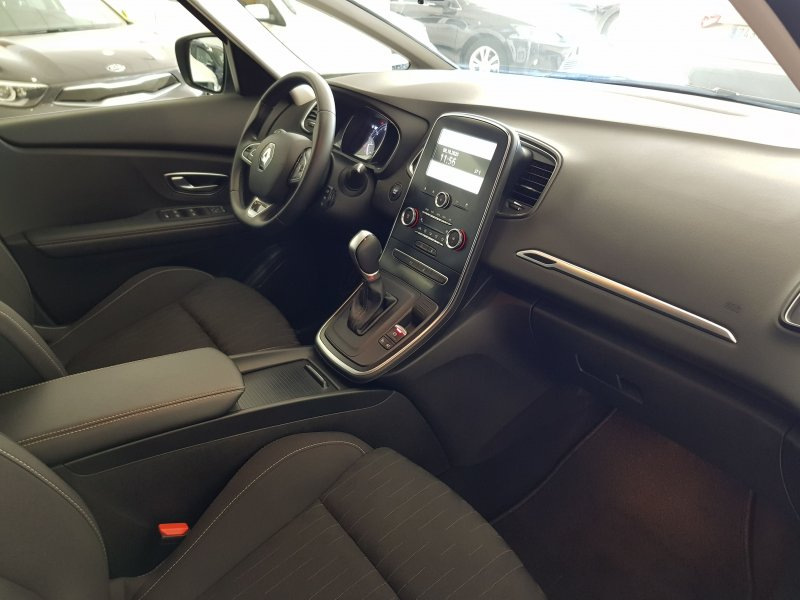 Renault Grand Scenic Limited TCE EDC 140 cv 9