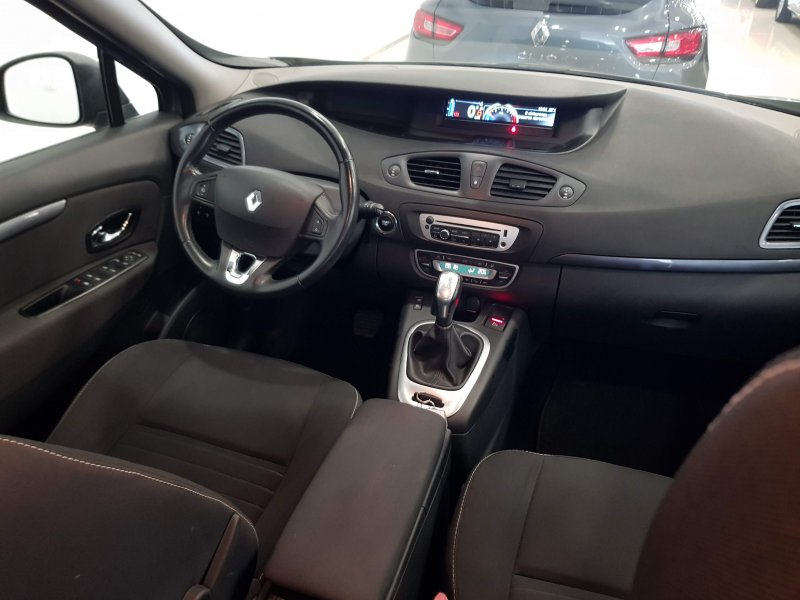 Renault Grand Scenic Limited dCi 110 EDC.  8