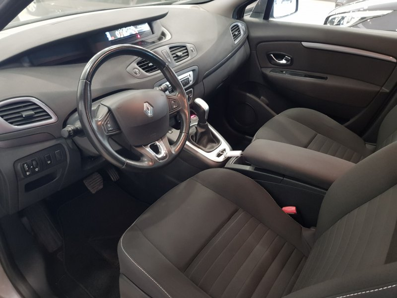 Renault Grand Scenic Limited dCi 110 EDC.  10