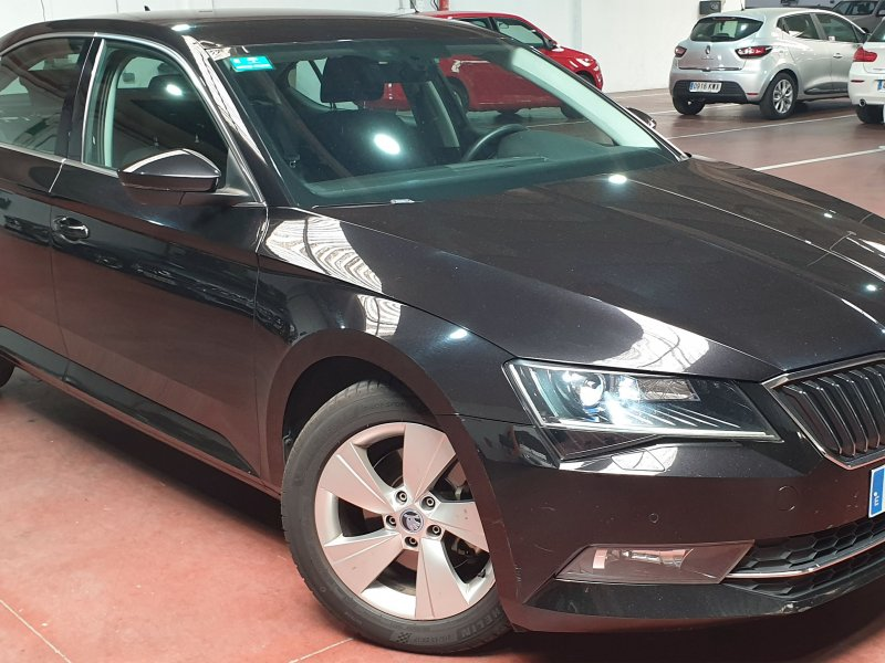 Skoda Superb 2.0 TDI 110KW 150cv Ambition 5p. Solo 1 unidad disponible 4