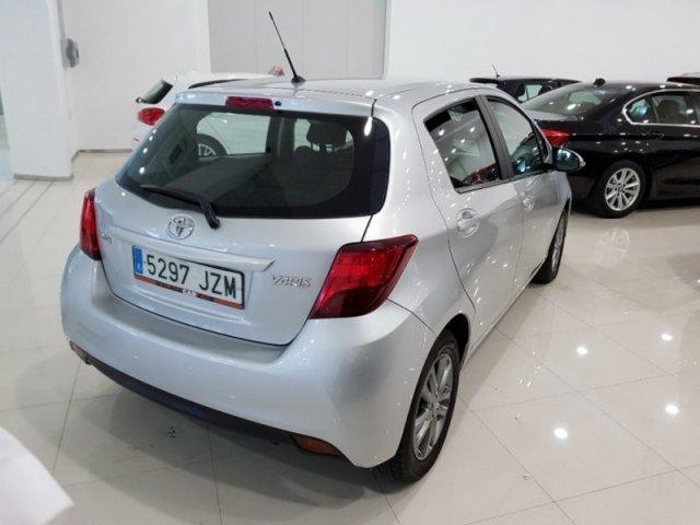 Toyota Yaris photo 3