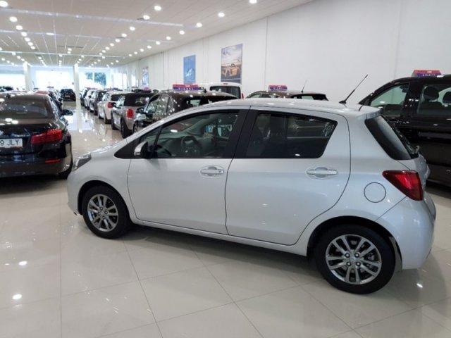 Toyota Yaris foto 4