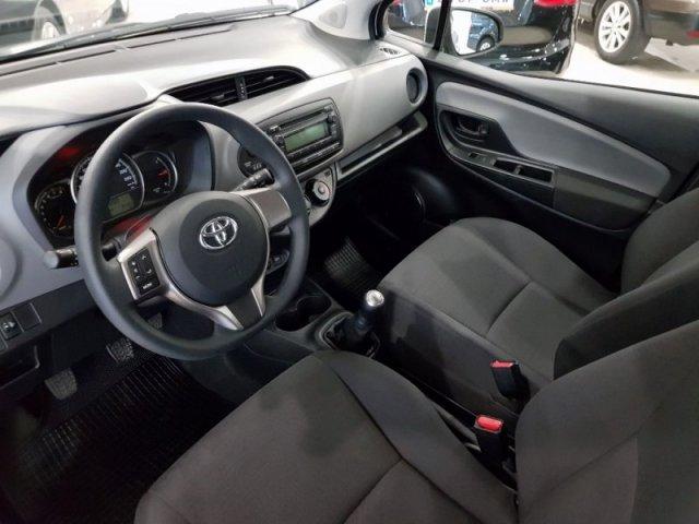 Toyota Yaris foto 7