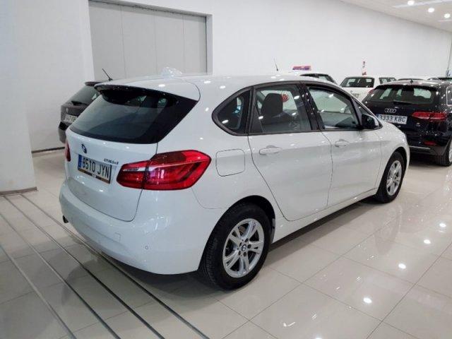 BMW Serie 2 photo 4