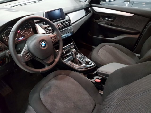 BMW Serie 2 photo 8
