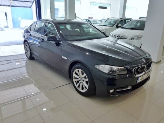 BMW Serie 5 foto 2