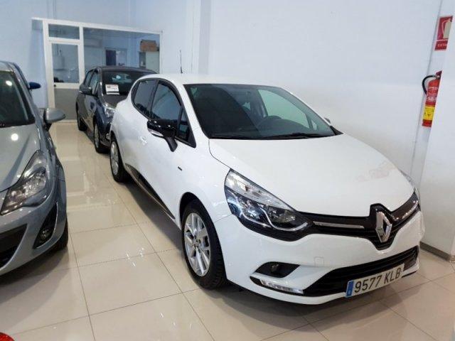Renault Clio photo 1