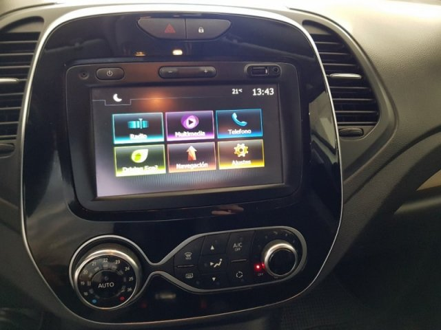 Renault CAPTUR photo 9