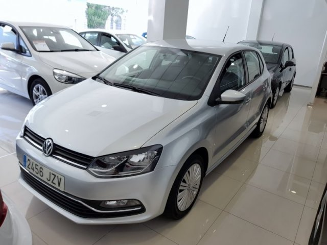 Volkswagen POLO photo 1