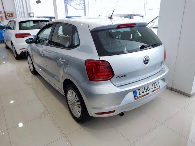 Volkswagen POLO foto 3