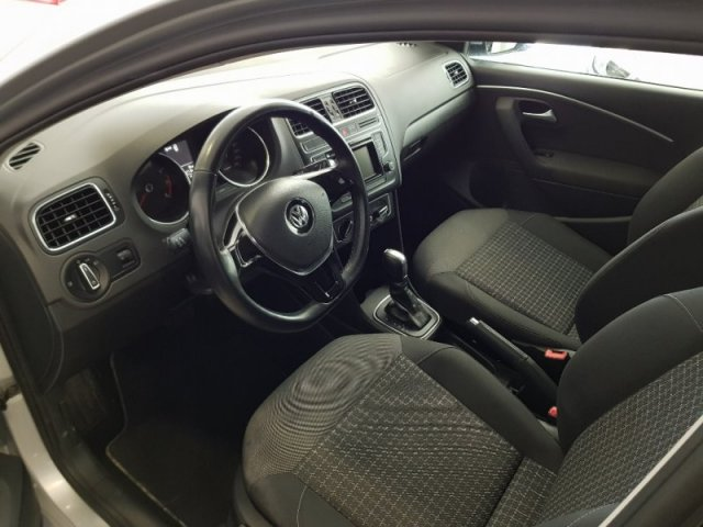 Volkswagen POLO photo 8