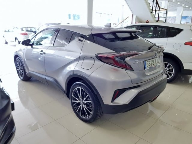 Toyota C-HR foto 3