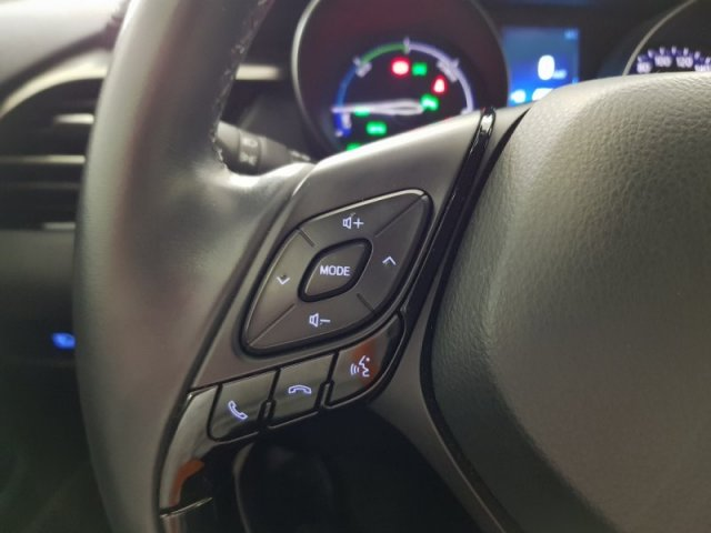 Toyota C-HR foto 12