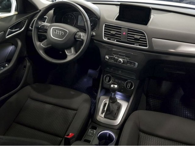 Audi Q3 Design ed 2.0 TDI 150CV S tronic photo 6