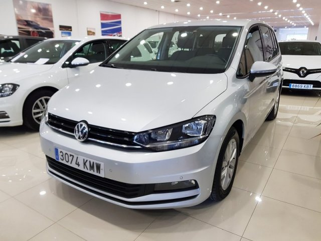 Volkswagen Touran photo 2
