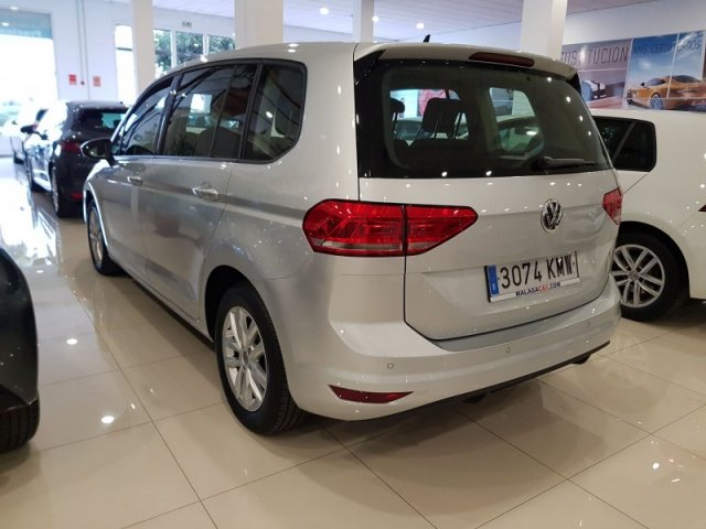 Volkswagen Touran photo 3