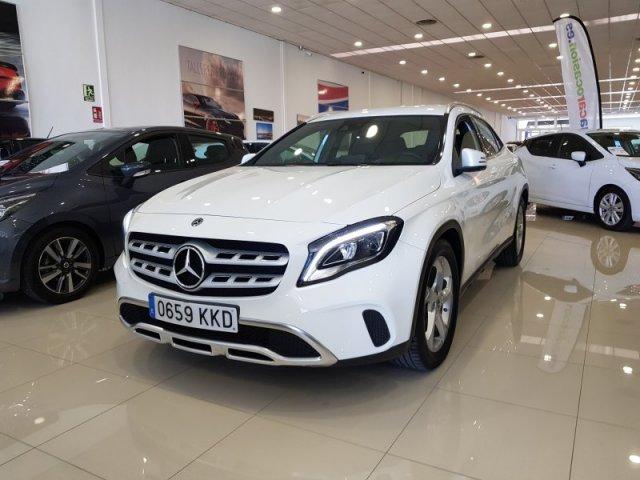 Mercedes GLA foto 1