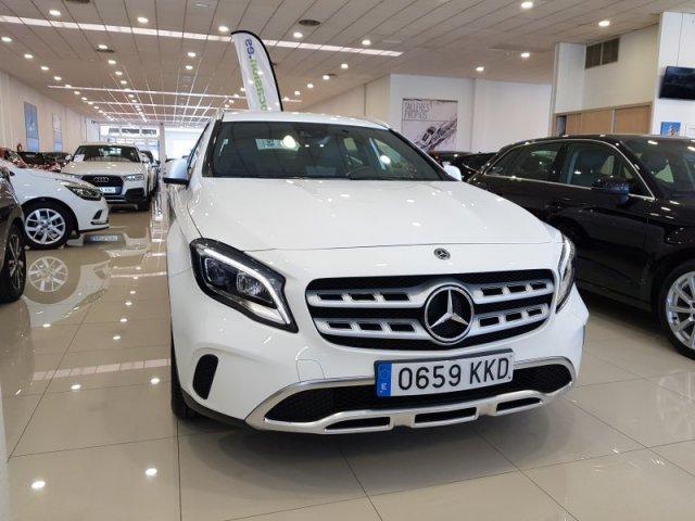 Mercedes GLA foto 2