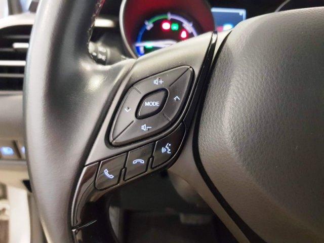Toyota C-HR photo 13
