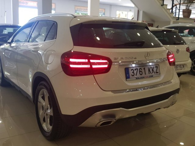 Mercedes GLA photo 3