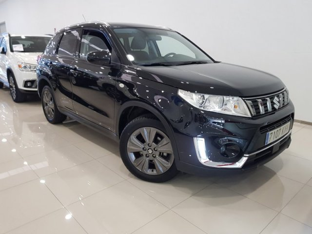 Suzuki Vitara photo 1