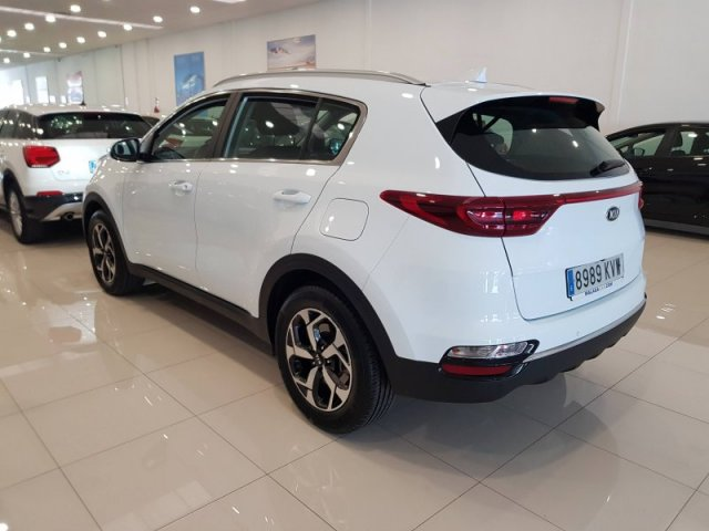 Kia Sportage 1.6 CRDi 136CV Business AUTOMAT photo 3