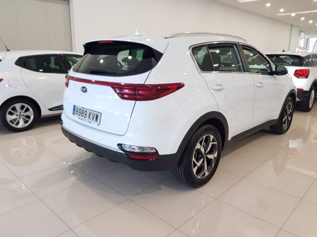 Kia Sportage 1.6 CRDi 136CV Business AUTOMAT photo 4