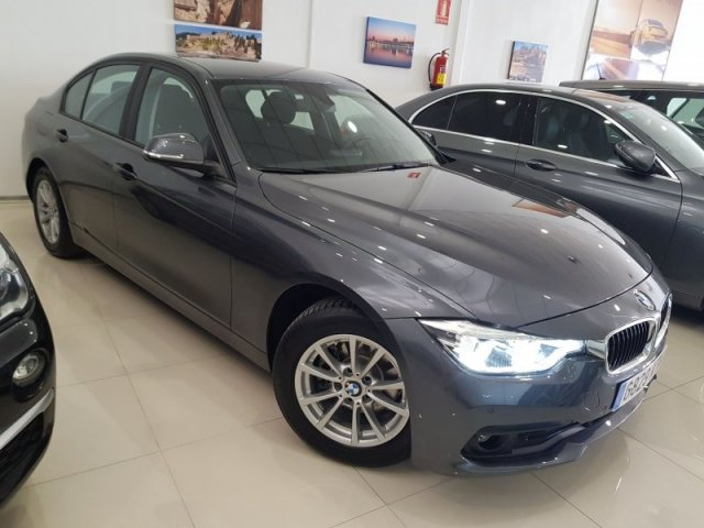BMW Serie 3 photo 1