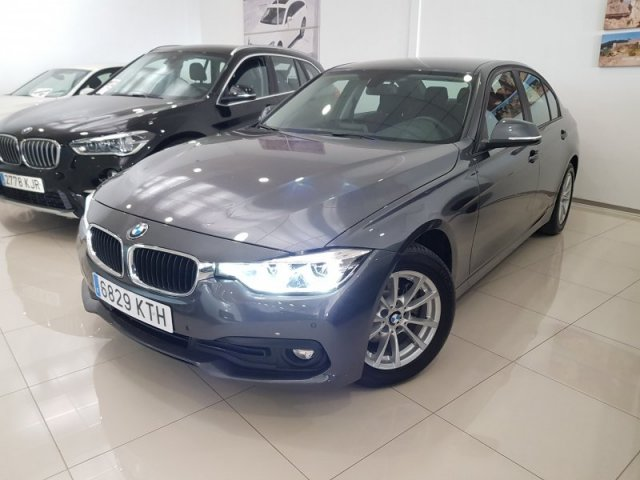 BMW Serie 3 foto 2