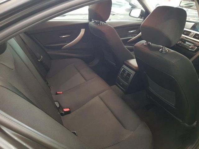 BMW Serie 3 photo 6