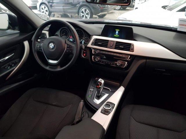 BMW Serie 3 photo 7
