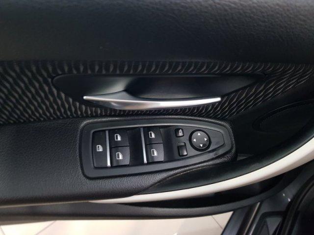 BMW Serie 3 photo 10