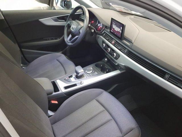Audi A4 photo 8