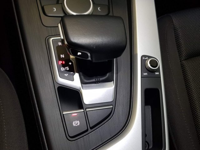 Audi A4 photo 13