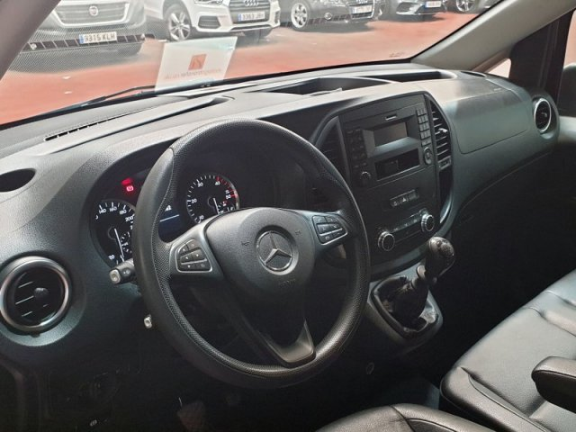 Mercedes Vito photo 13