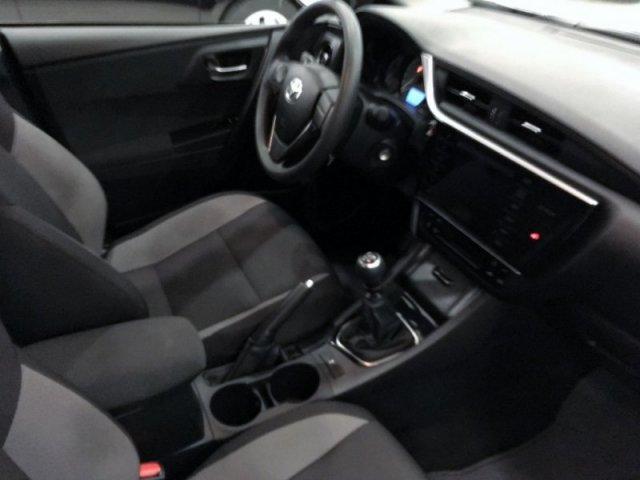 Toyota Auris photo 6