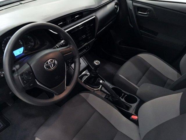 Toyota Auris photo 7