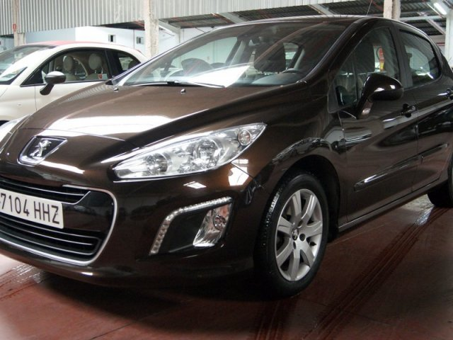 peugeot 308 active 1 6 vti 120 manual 55535 km for sale in malaga from 9200. Black Bedroom Furniture Sets. Home Design Ideas