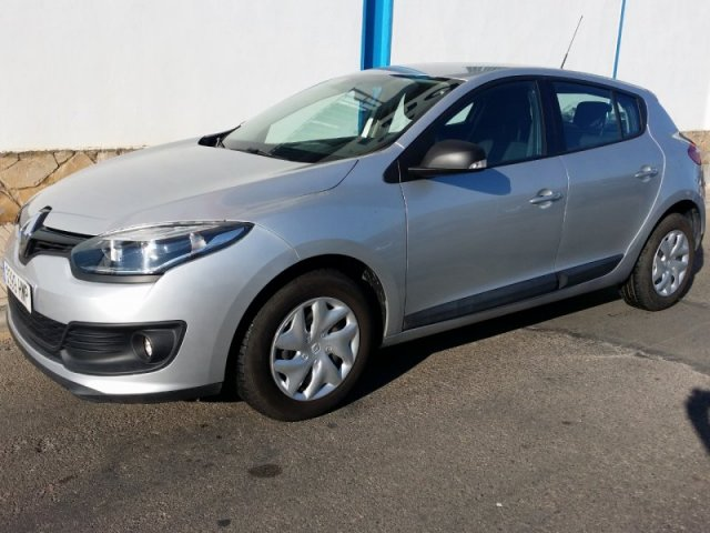 renault megane life energy 1 2 tce 115 cv manual 30798 km for sale in malaga from 10800. Black Bedroom Furniture Sets. Home Design Ideas