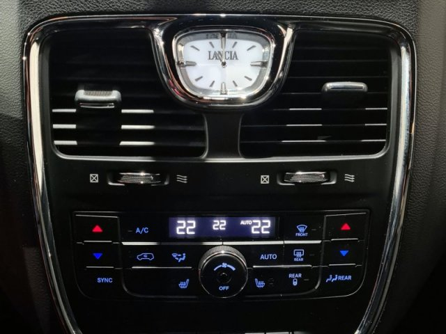 Lancia Voyager foto 3