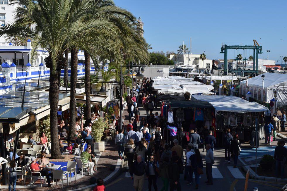 Straßen-Markt am Hafen von Estepona