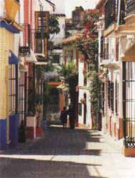 narrow streets Costa del Sol